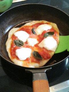 ピザを焼きました